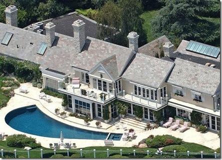 Kylie Jenner's House Vs Kendall Jenner's House Tour 2017 ...